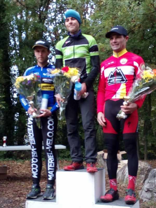 podiumcyclocrossMeyzieu04-11-18.jpg